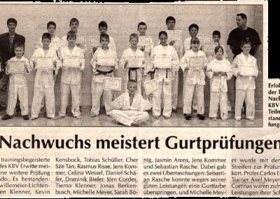 Lippstadt-am-Sonntag-27-07-2002-Nachwuchs-meistert-Gurtprüfungen